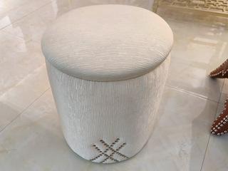 简美气概 北美入口榉木坚忍框架 棉绒布面料 布凳