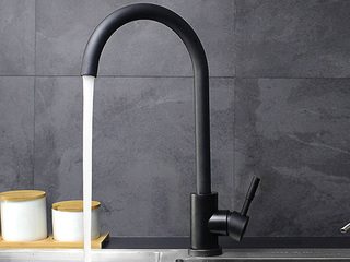 【包邮 送货到楼下(偏远地区除外)】 抗锈304不锈钢360度自由旋转起泡式节水厨房水槽冷热水龙头黑色T16HEI